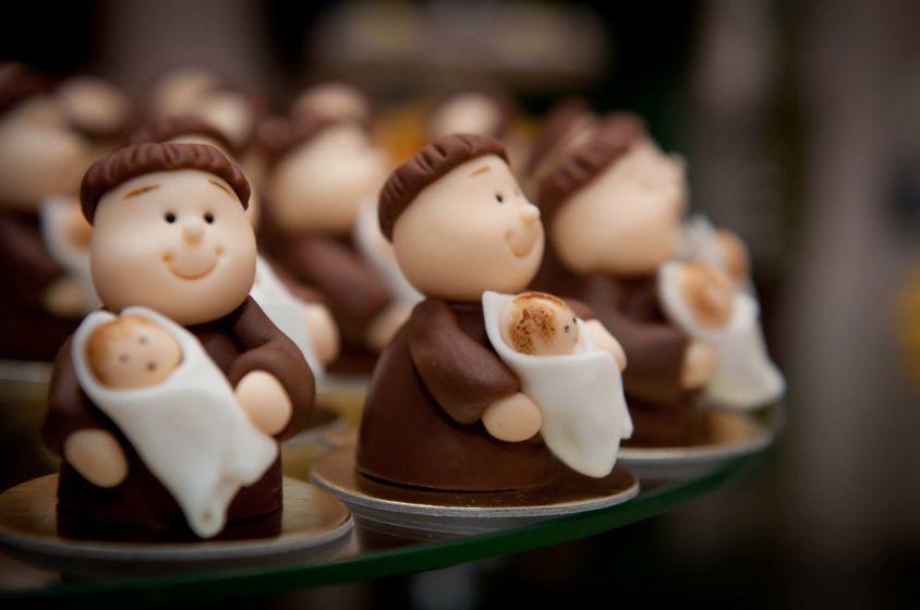 7 inspirações para Santo Antônio aparecer no casamento
