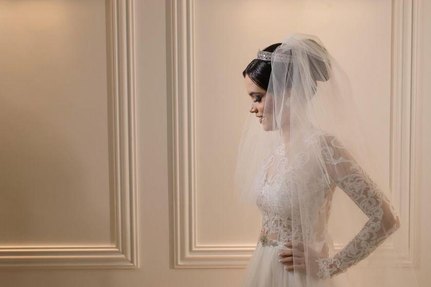 A prova do vestido de noiva - por Edu Costa