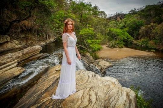 O vestido de noiva de Maria Ísis