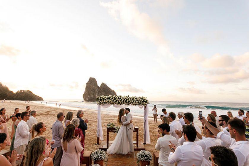 Casamento na praia em Noronha - Isadora Gazola e Tiago Falcão