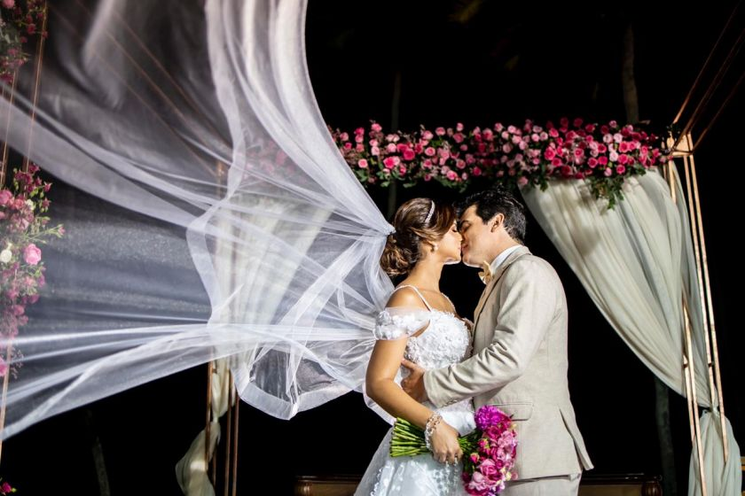 Casamento na praia em João Pessoa: Isabelle e Vladimir