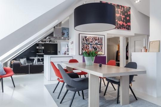 Apartamento com decoração Pop Art minimalista