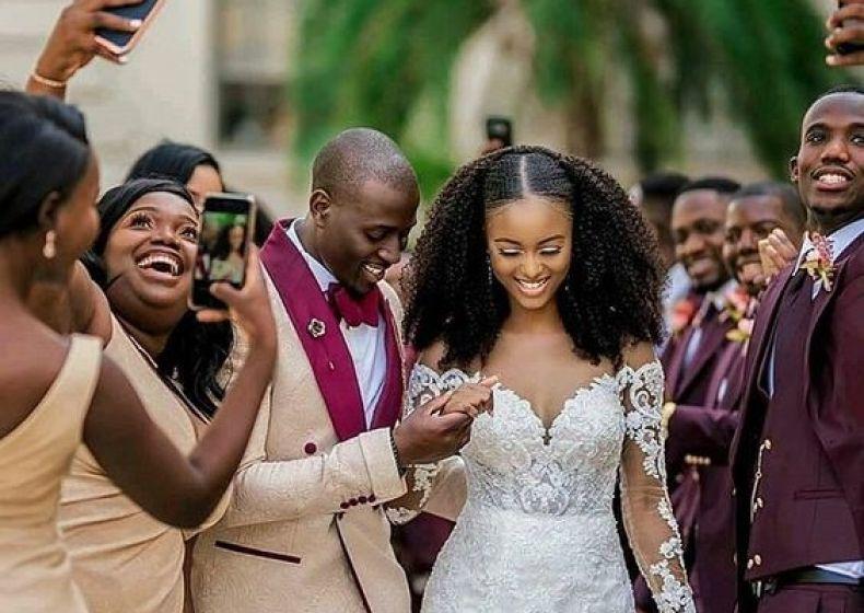 Penteados para noivas de cabelo crespo, afro e cacheados